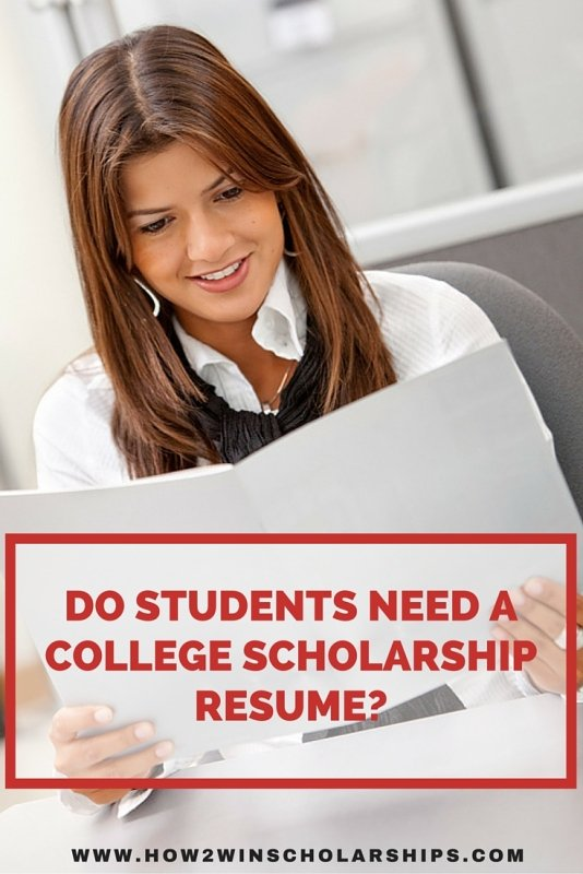 Do students need a college scholarship resume? Find out here! #college #scholarships #ScholarshipMom